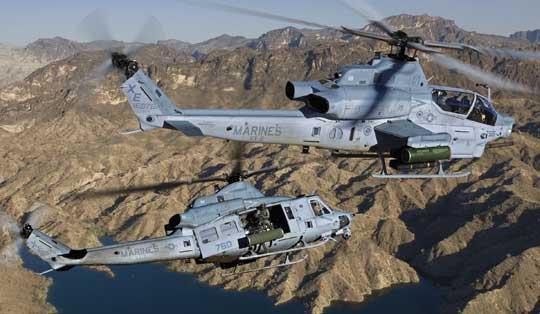 Program H-1 miał na celu stworzenie jakościowo nowych śmigłowców na bazie sprawdzonych konstrukcji: szturmowego AH-1Z Viper i wsparcia bojowego UH-1Z Venom, z dużą ilością wspólnych elementów, w celu maksymalnego zmniejszenia kosztów operacyjnych. Fot. Bell