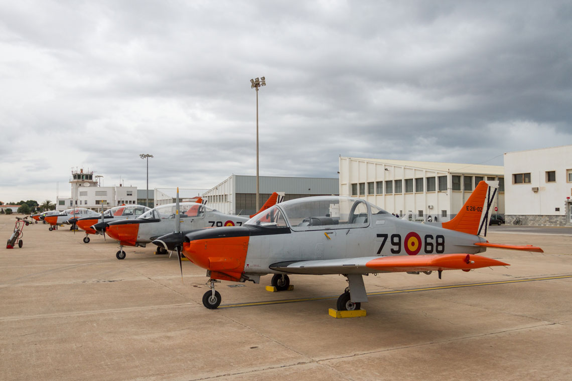 Szkolenie pilotów lotnictwa bojowego po hiszpańsku