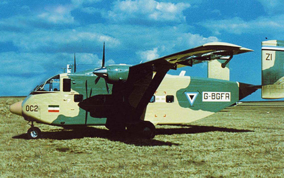 Na początku 1979 r. do wyposażenia BDF trafiły dwa bardzo lekkie samoloty transportowe Short SC7 Skyvan 3M-400. Na zdjęciu samolot ze znakami fabrycznymi jeszcze przed przekazaniem do afrykańskiego odbiorcy. Fot. Internet