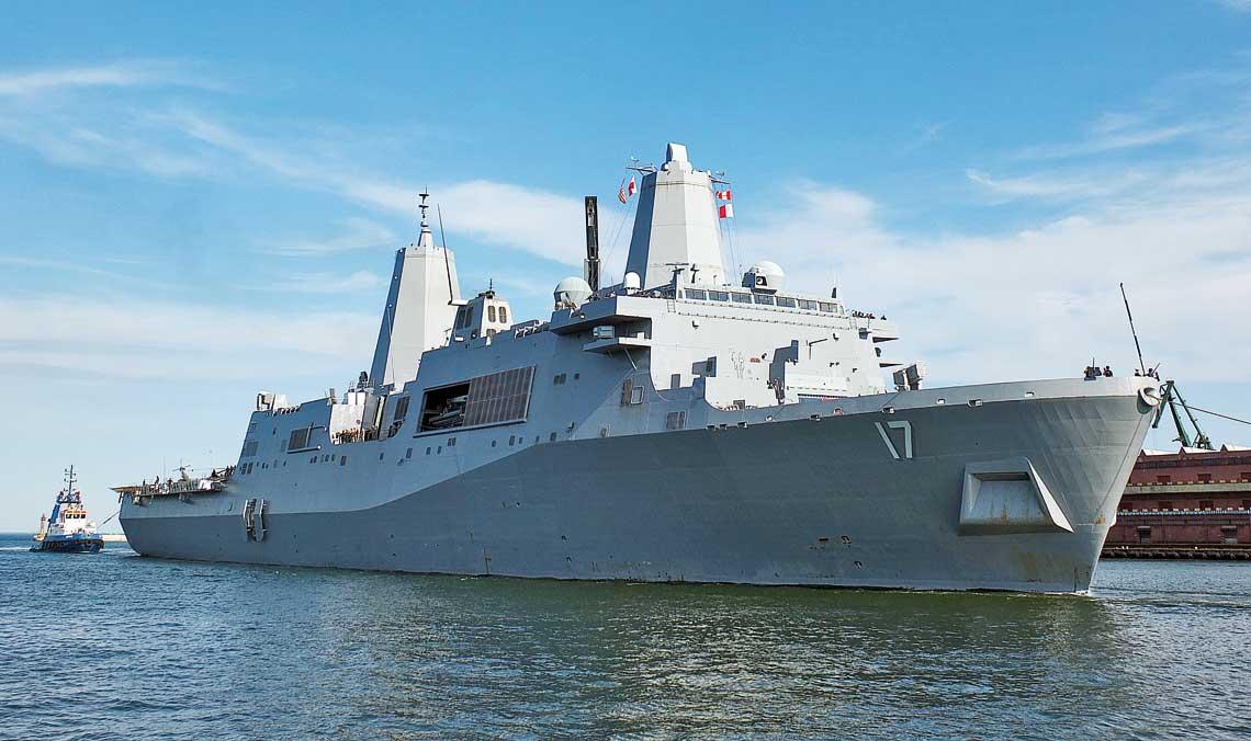 Transportowce desantowe-doki typu San Antonio. 6 czerwca 2015 r., USS San Antonio, jako pierwszy okręt tego typu, wchodzi do portu w Gdyni.