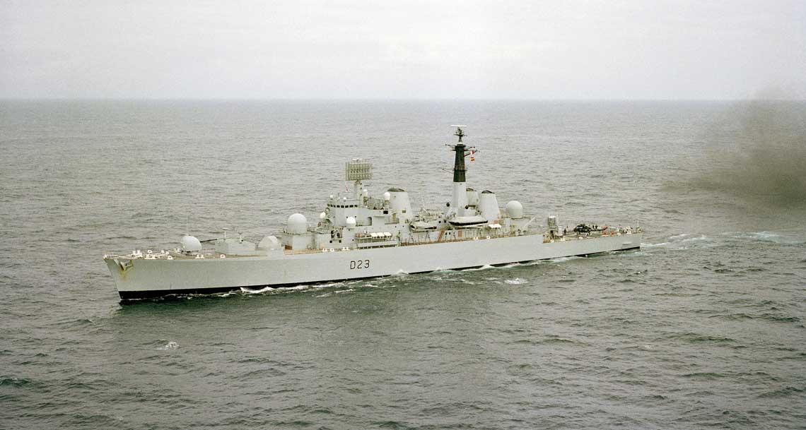 """HMS Bristol """"Biały słoń"""" powojennej Royal Navy"""