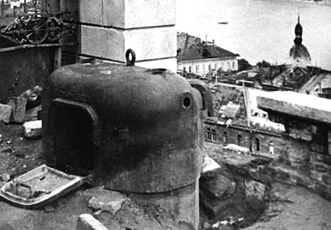 Niemieckie przewoźne pancerne gniazdo ckm w Wojsku Polskim 1945-1960