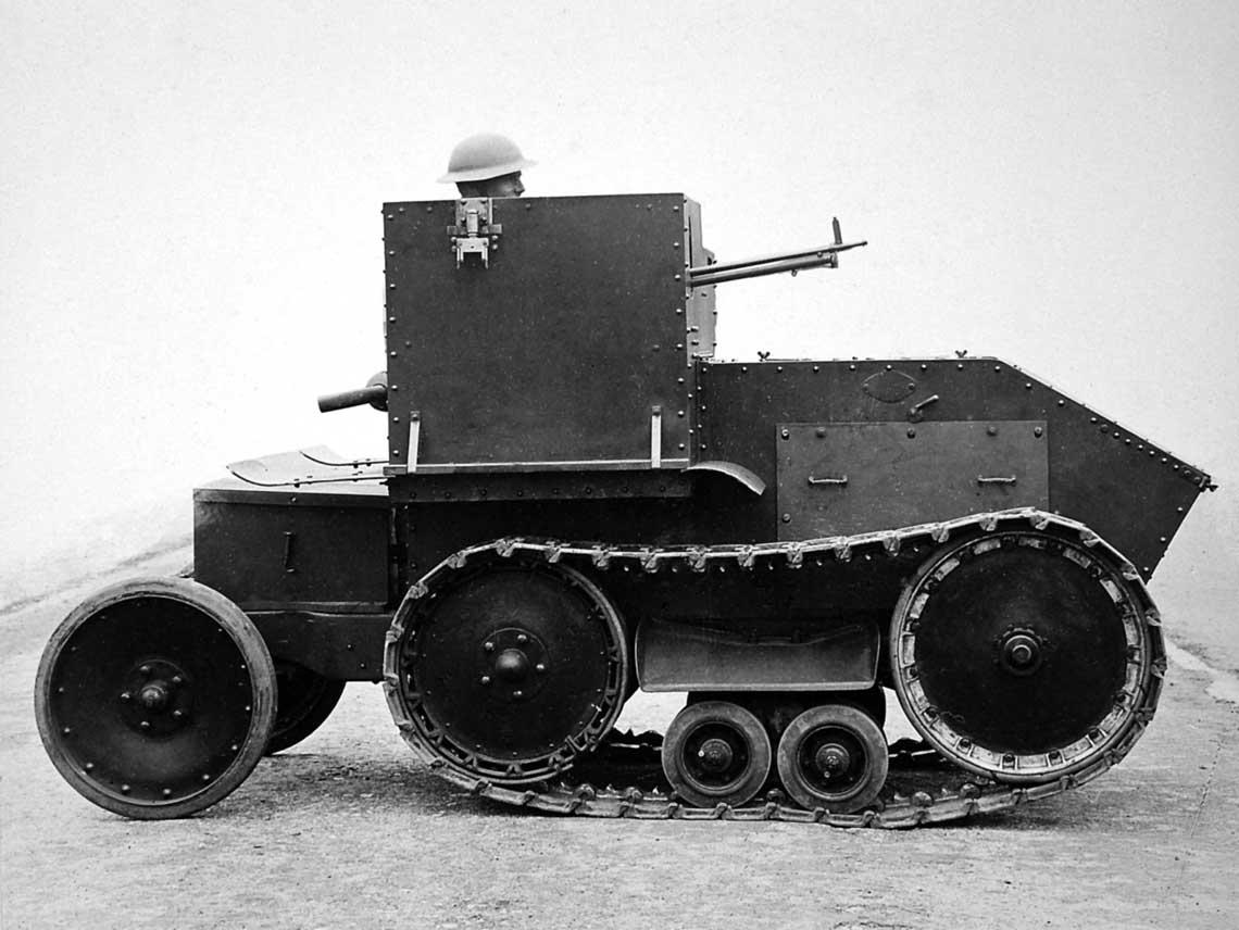 Pierwsza pionierska tankietka Morris-Martel One Man Tankette została zbudowana w ilości ośmiu egzemplarzy. Jej rozwój zarzucono na korzyść podobnej konstrukcji Carden-Loyd.