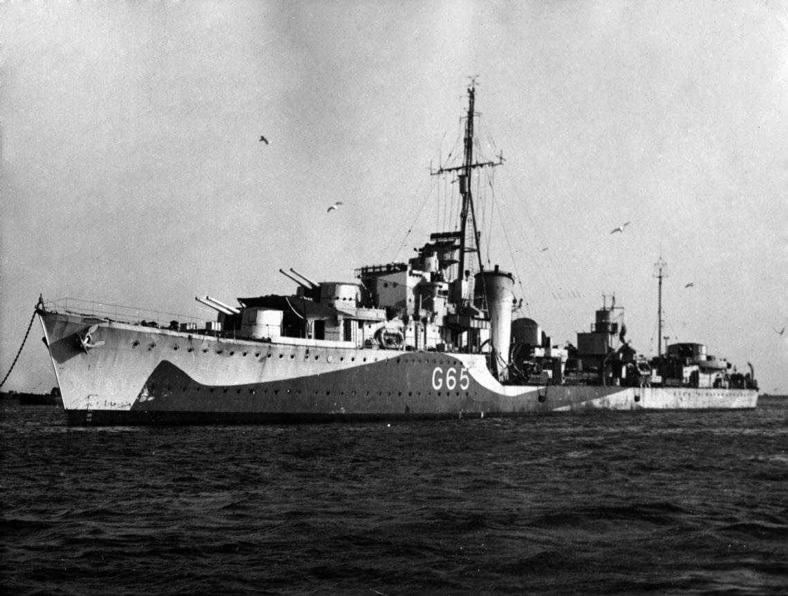 """Piorun w początku 1944 r. Okręt ma już widoczną tu """"latarnię"""" radaru typu 271. Fot. archiwum redakcji"""
