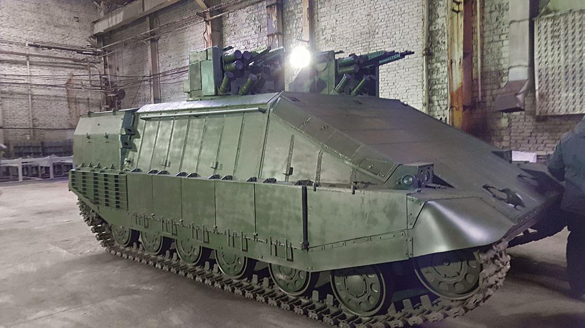Ukraiński Azowiec jest najnowszym znanym ciężkim transporterem opancerzonym na świecie.