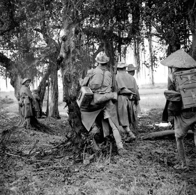 Patrol rozpoznawczy GMNA (Groupe Mobile Nord-Africain). Szybko okazało się, że oddziały komunistyczne rosną w siłę, a ich zwalczanie jest niezwykle trudne.