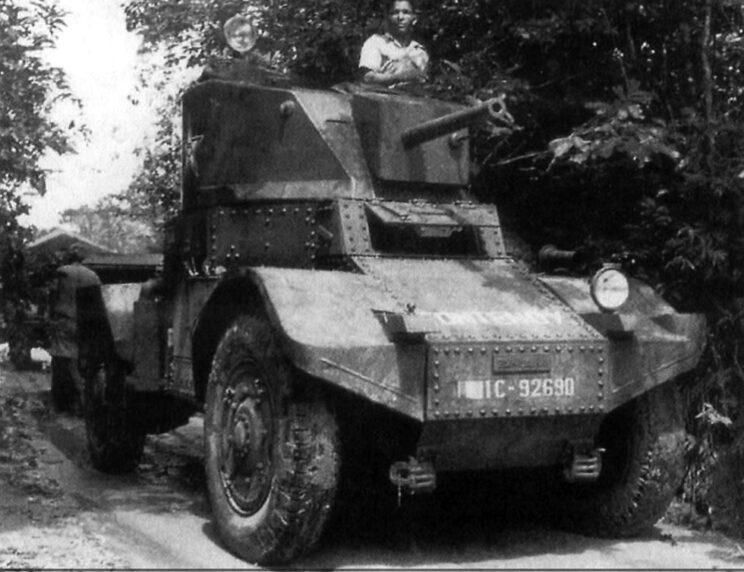 Lekki pojazd opancerzony Panhard 178B z armatą kalibru 25 mm z 6. Marokańskiego Pułku Spahisów (6e régiments de spahis marocains). Kambodża, 1952 r.