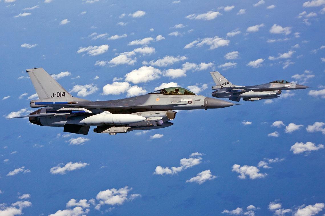 """Najliczniejszym uczestnikiem ,,Frisian Flag 2016"""" byli gospodarze – Siły Powietrzne Holandii, których samoloty wielozadaniowe F-16 działały z baz lotniczych Leeuwarden i Volkel. Fot. Mike Schoenmaker"""