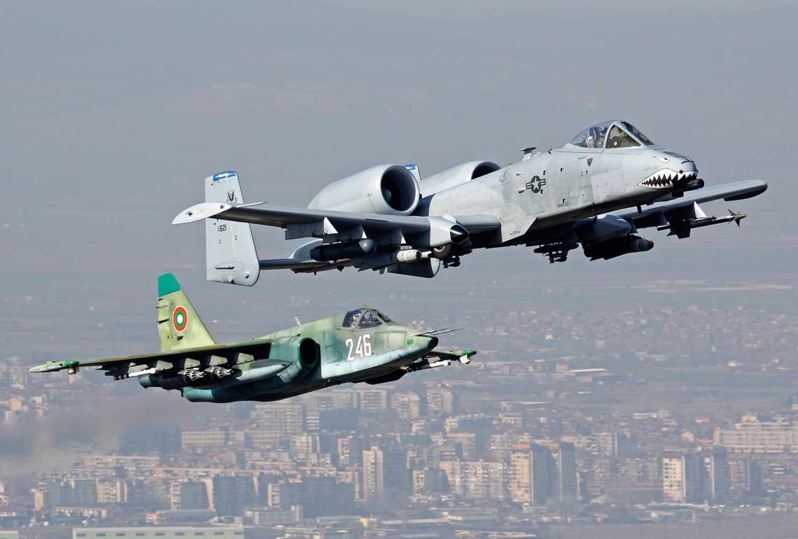 Thracian Thunder 2016. Dziś w NATO tylko bułgarskie i amerykańskie siły powietrzne dysponują samolotami szturmowymi dedykowanymi do bezpośredniego wsparcia wojsk lądowych na polu walki.