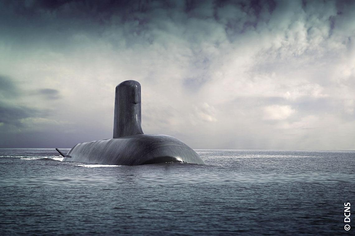 """Wizja Shortfin Barracuda Block 1A, projektu okrętu, który zagwarantował DCNS udział w finałowych negocjacjach """"podwodnego kontraktu stulecia"""". W ostatnim czasie francuski koncern zaliczył też dwa inne sukcesy """"podwodne"""" – rząd norweski wskazał go jako jednego z dwóch konkurentów (obok TKMS) na dostawcę okrętów dla tamtejszej floty, zaś pierwsza zbudowana w Indiach jednostka typu Scorpène wyszła w morze."""