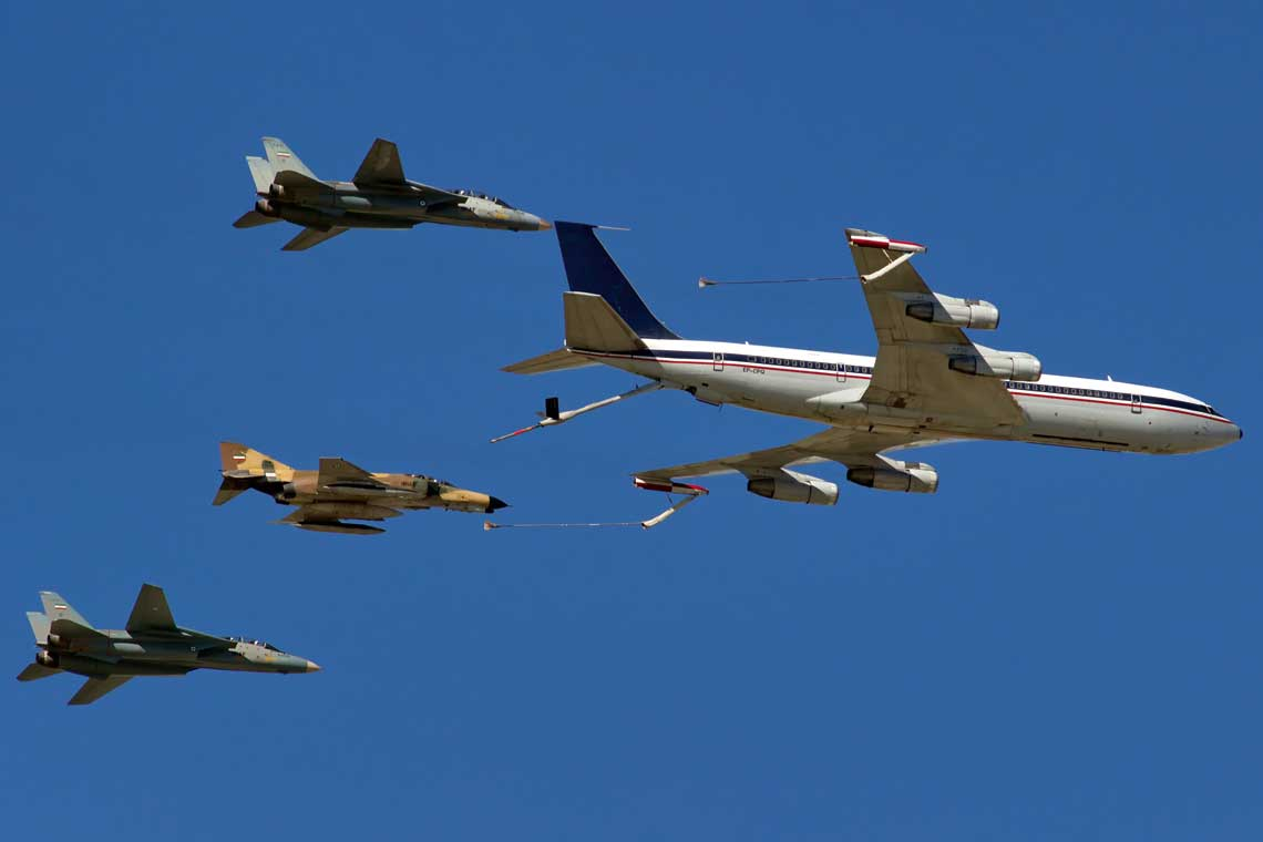 Formacja nr 8: KC-707 (5-8310, 1. ARS, TAB.1) oraz 2 x F-14A (3-6030, 3-6041, 82. TFS, TFB.8) i 1 x F-4E (3-6642, 31. TFS, TFB.3). Fot. Keyvan Tavakkoli