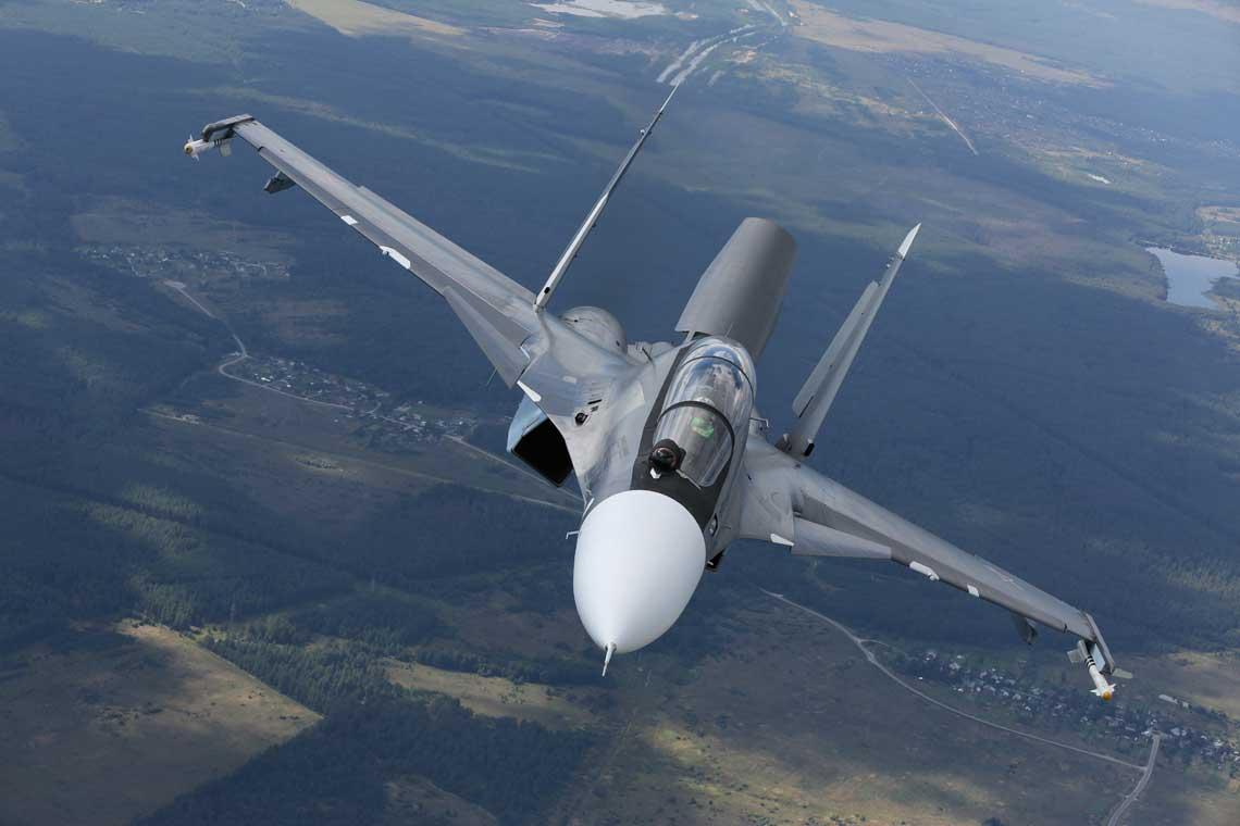 Ministerstwo Obrony Rosji otrzymało już połowę z 116 zamówionych samolotów myśliwskich Su-30SM, a łącznie z zamówieniami eksportowymi powstało już ponad 350 różnych odmian tego myśliwca i produkcja trwa nadal. Fot. Irkut
