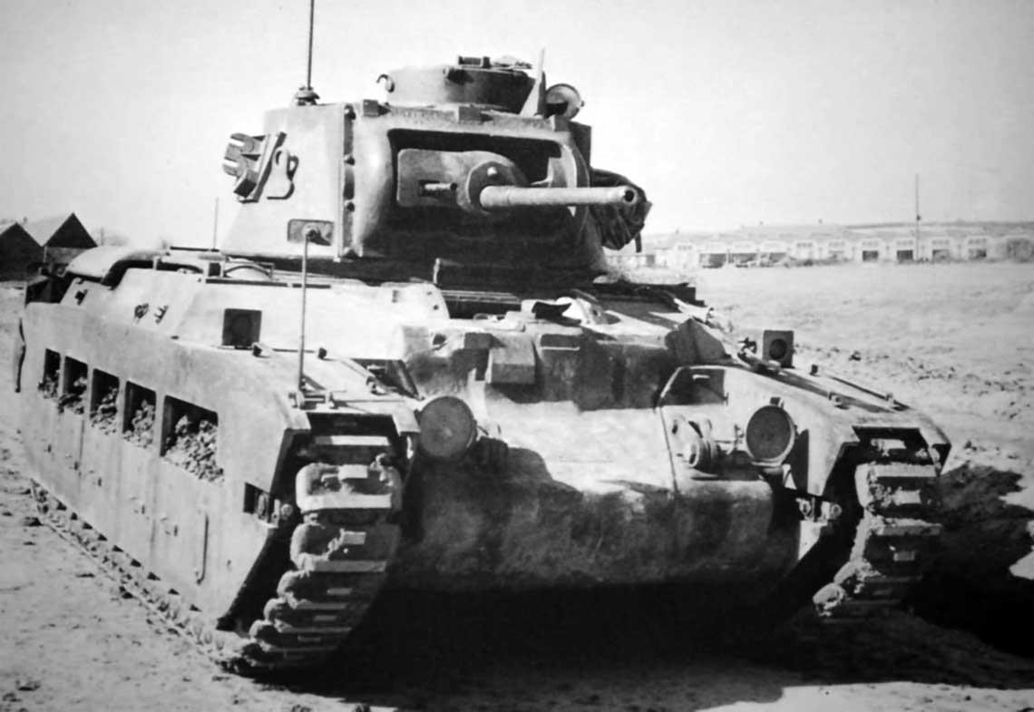 """Matildy Mk II zadebiutowały w Afryce w czasie operacji """"Compass"""". Chrzest bojowy miał miejsce w grudniu 1940 r."""