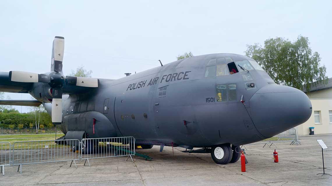 Samolot transportowy Lockheed Martin C-130E Hercules nr 1501 to pierwszy egzemplarz, który przeszedł przegląd PDM w Polsce, siłami pracowników WZL nr 2 S.A., jakość prac jest pozytywnie oceniana przez użytkowników z Powidza.