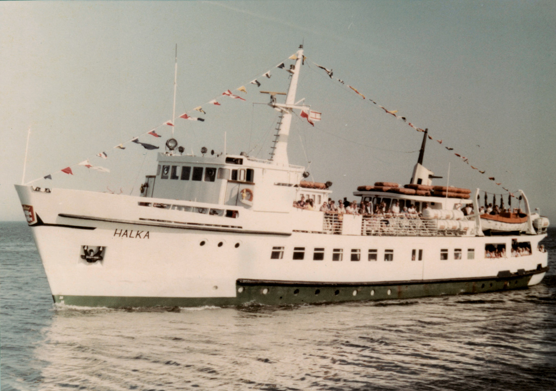 Statek pasażerski m/s Halka. Fot. zbiory Przemysława Grzelaka