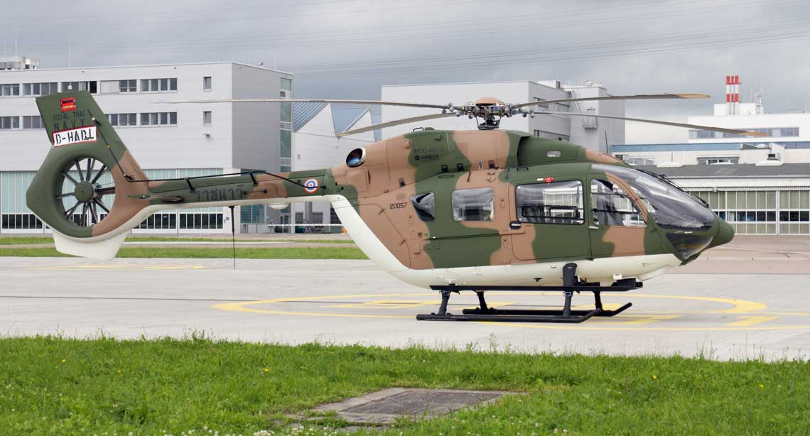Jeden z sześciu H145M zamówionych przez marynarkę wojenną Tajlandii podczas prób w fabryce Airbus Helicopters w Donauwörth w Niemczech. Fot. Paweł Bondaryk