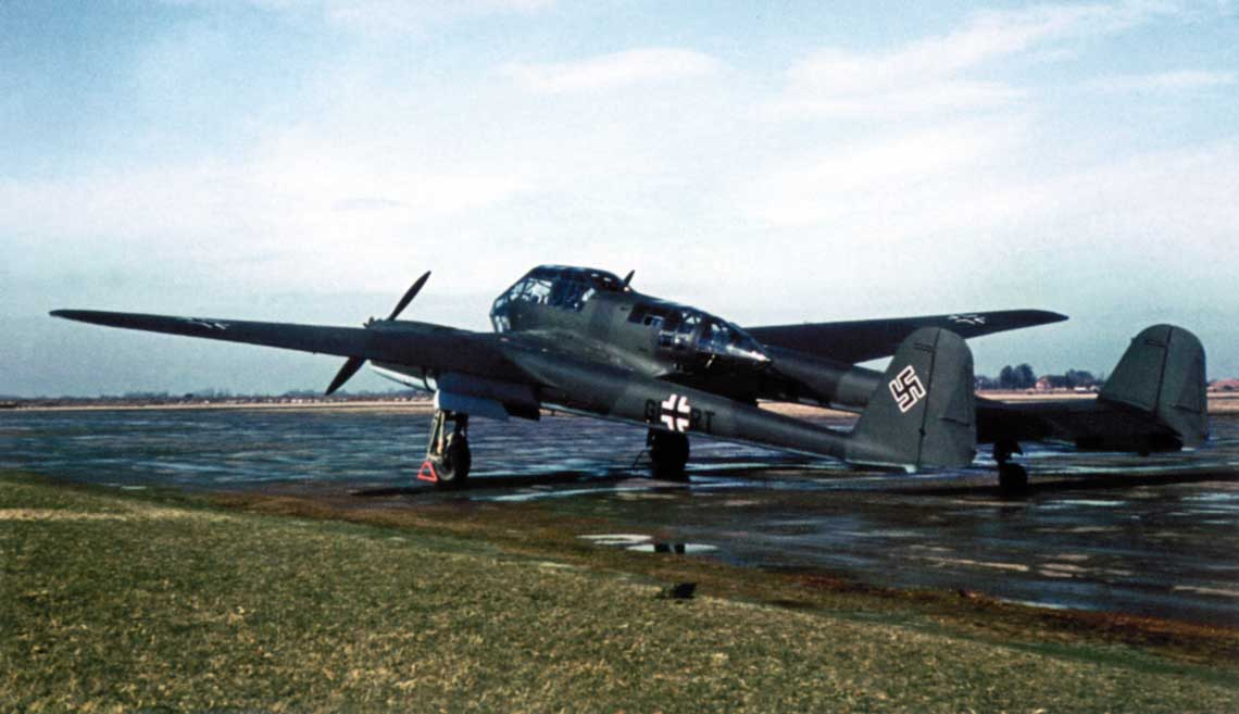 Focke-Wulf Fw 189 A-1,W.Nr. 0095, GI+RT na lotnisku fabrycznym.