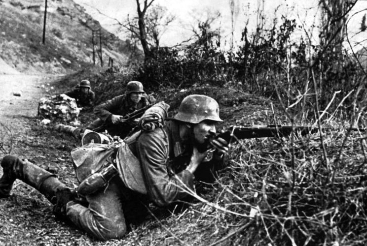 """W kolejnej przeciwpartyzanckiej operacji """"Trio"""" wzięły udział trzy strony: włoska, niemiecka i chorwacka. Tym razem partyzanci Tito uszli do Zachodniej Bośni."""