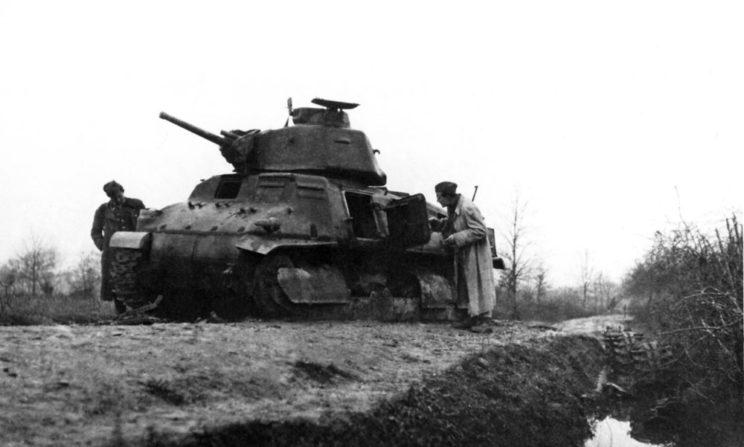 Pomimo poniesionych strat partyzanci Tito nadal byli zdolni do działań zaczepnych. Na zdjęciu zniszczony w Zachodniej Bośni czołg niemiecki (zdobyczny francuski).