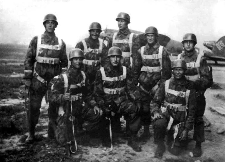 Niemiecki desant spadochronowy na Drvar miał umożliwić schwytanie Josipa Broz Tito i jego sztabu, ale nic z tego nie wyszło. W toku ciężkich walk 26-28 maja 1944 r. partyzanci wycofali się na wschód.