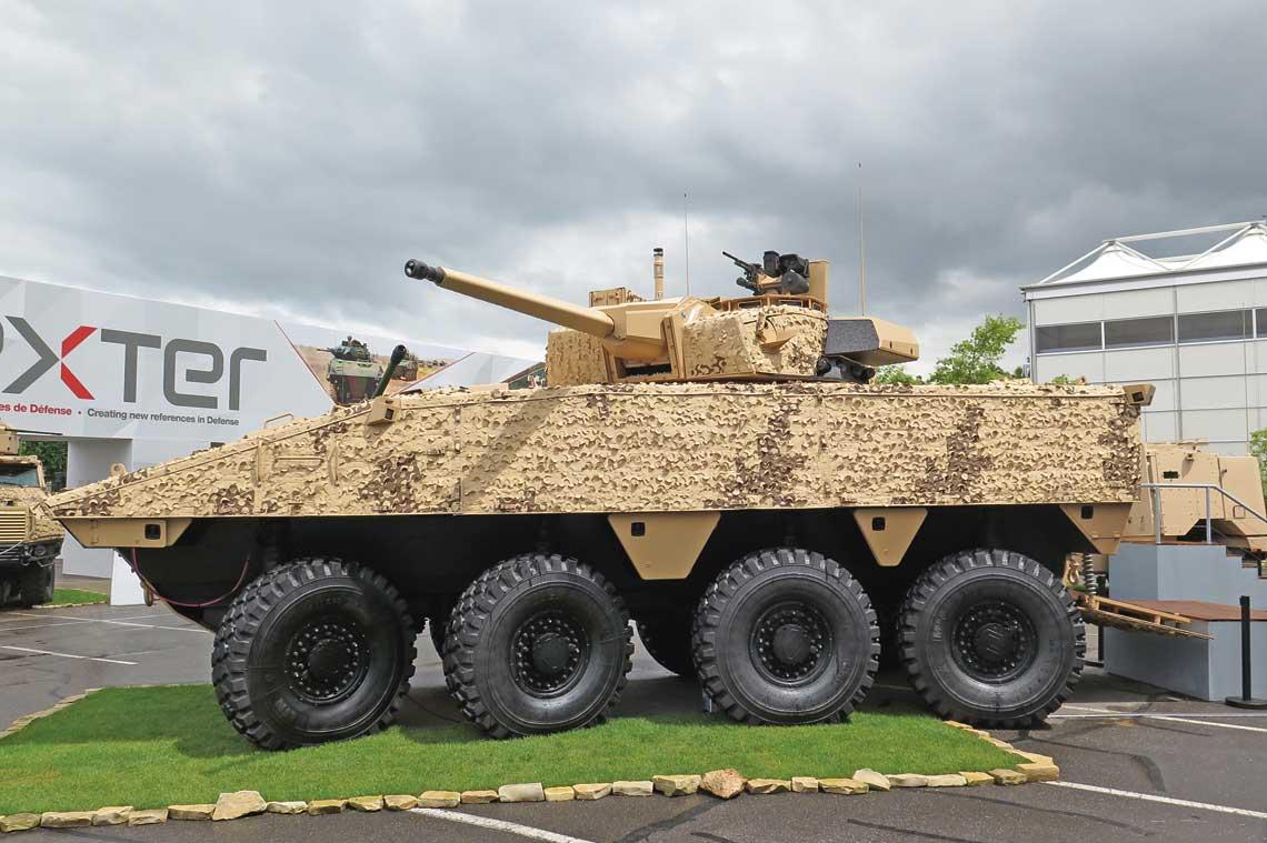 Prototyp kołowego bojowego wozu piechoty VBCI 2 z dwuosobową wieżą uzbrojoną w 40 mm armatę 40 CTC.