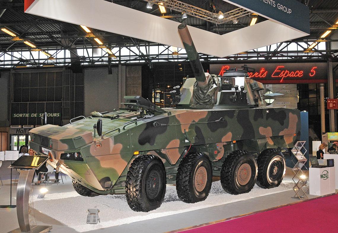 Eurosatory 2016. Prezentowany przez Polską Grupę Zbrojeniową iHutę Stalowa Wola Rak był jednym zniewielu nowych systemów artyleryjskich na paryskim salonie.