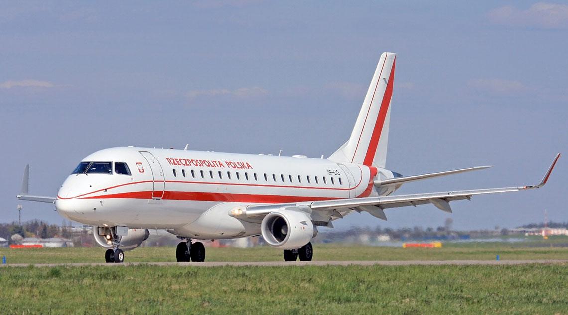 Do końca 2017 r. PLL LOT będą wykonywać umowę czarteru dwóch samolotów Embraer ERJ-170-200, których bezpośrednim następcą ma być używany samolot do przewozu VIP-ów. Fot. Alan Lebeda.