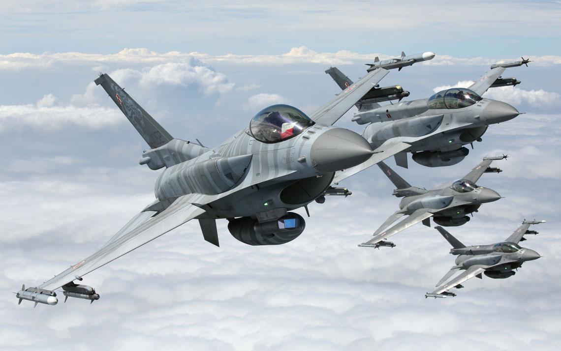 Dziesięć lat eksploatacji samolotu F-16 Jastrząb w Polsce