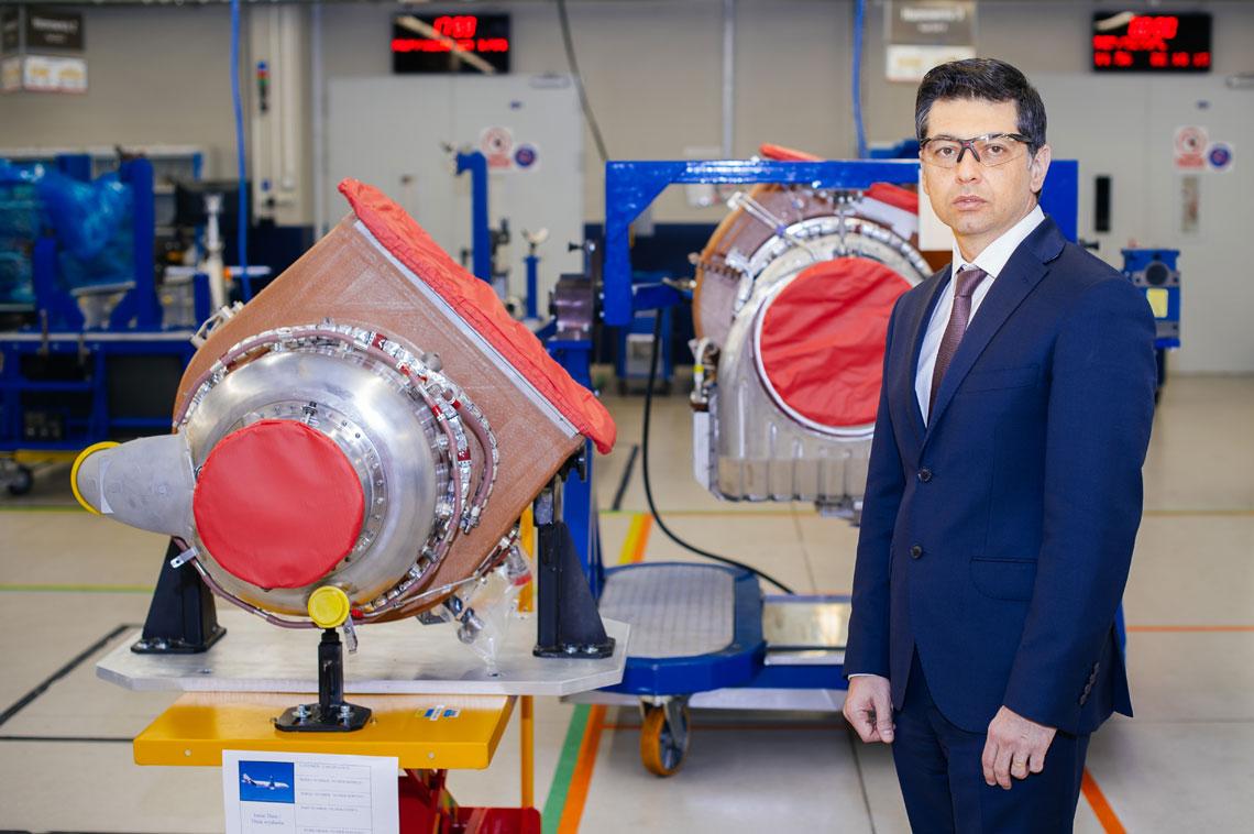 Pratt & Whitney AeroPower Rzeszów. Raoul Popescu, wiceprezes Zarządu Pratt & Whitney Rzeszów ds. serwisu i remontów APU, dyrektor zarządzający zakładu silników i remontów – zakładu nr 2. Fot. PW AeroPower