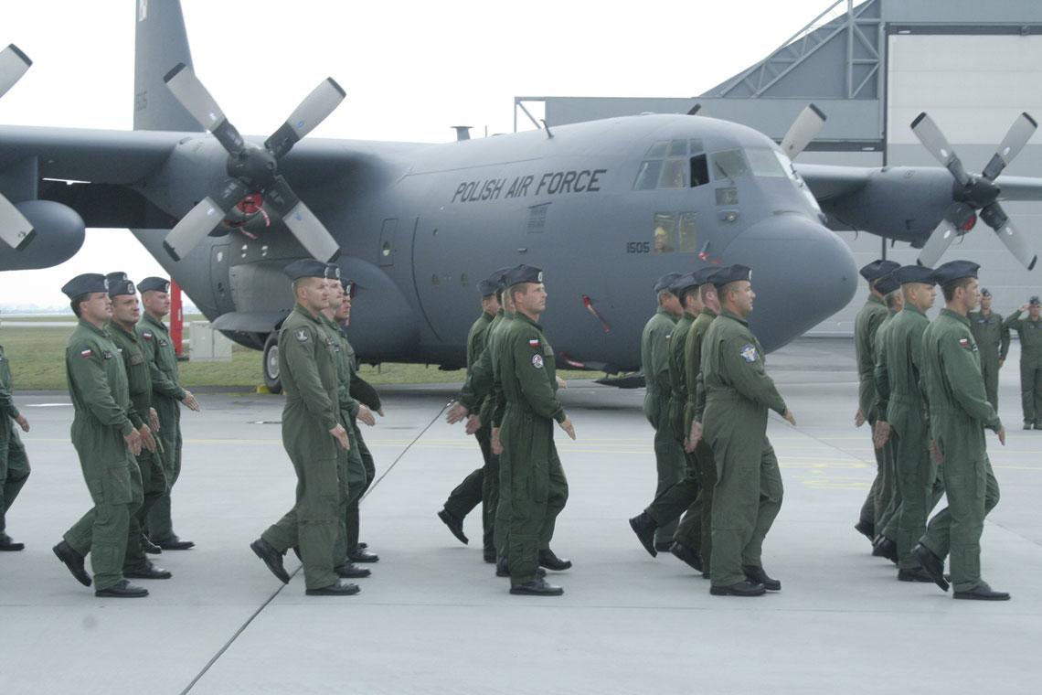 Dziś do systemu Turawa jest wpisane 2167 osób personelu latającego (nie tylko pilotów, ale także wszystkich członków załóg, ze stewardesami maszyn VIP-owskich włącznie). Fot. Maciej Szopa