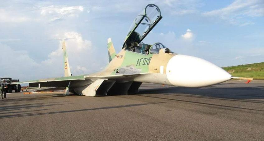 Su-30MK2-po-lądowaniu-w-Entebbe