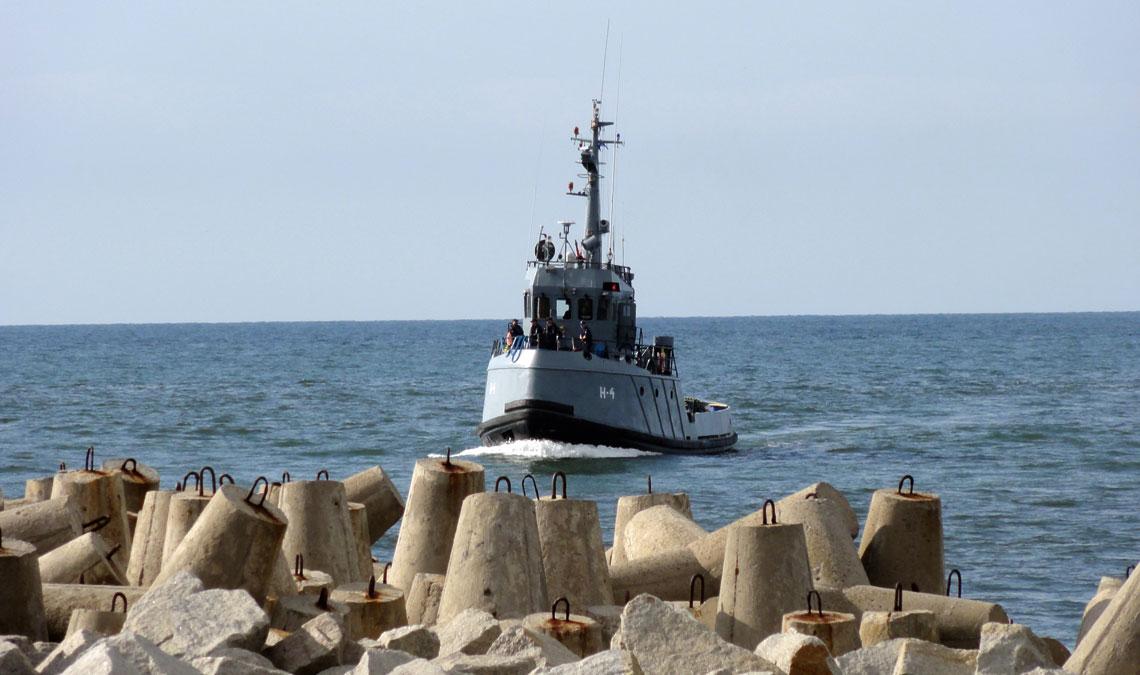 Marynarka Wojenna wciąż dryfuje w złym kierunku. Brakuje decyzji opozyskaniu okrętów zasadniczych klas. Zakup nowych holowników nie sprawi, że flota będzie mogła realizować statutowe działania.