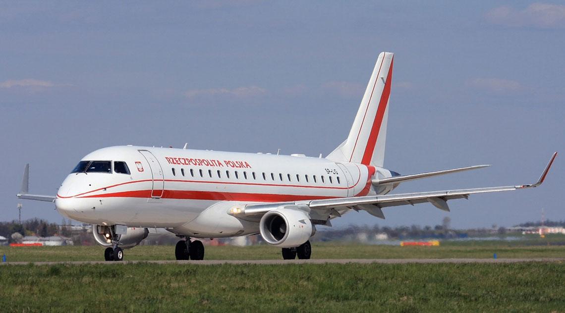 Do końca 2017r. PLL LOT będą wykonywać umowę czarteru dwóch samolotów Embraer ERJ-170-200, których bezpośrednim następcą ma być używany samolot do przewozu VIP-ów. Fot. Alan Lebeda.