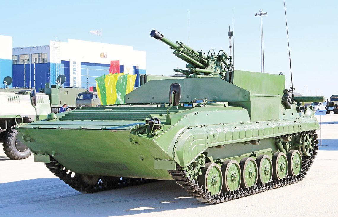 Samobieżny moździerz BMP-2B9 w postaci prezentowanej na wystawie KADEX-2016.