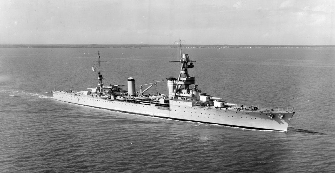 Krążownik ciężki Suffren, prototyp drugiej serii okrętów tej klasy Marine Nationale. Fot. NHHC