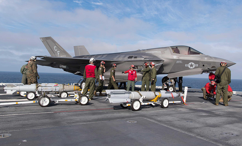 Spokojna zima przed F-35. Ćwiczenia USS America pokażą, czy w marcu możliwy będzie operacyjny rejs USS Essex z F-35B na pokładzie, którego trasa może zaprowadzić maszyny w rejon potencjalnego debiutu bojowego.