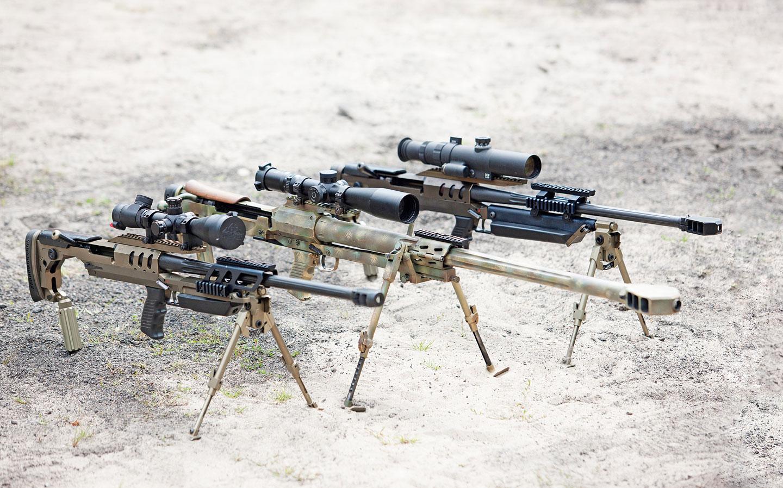 Karabiny wyborowe produkowane przez ZM Tarnów S.A. (od lewej): 7,62 mm Bor, 12,7 mm Tor i 8,6 mm Alex.