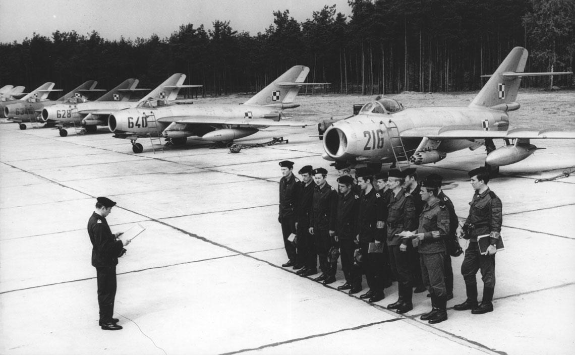 Polskie lotnictwo morskie 1945-1990. Fot. kronika 7 plmsz MW