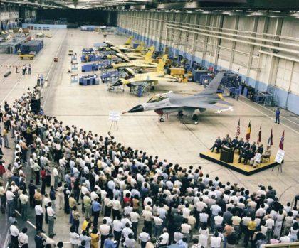 Lockheed Martin przenosi linię montażową F-16