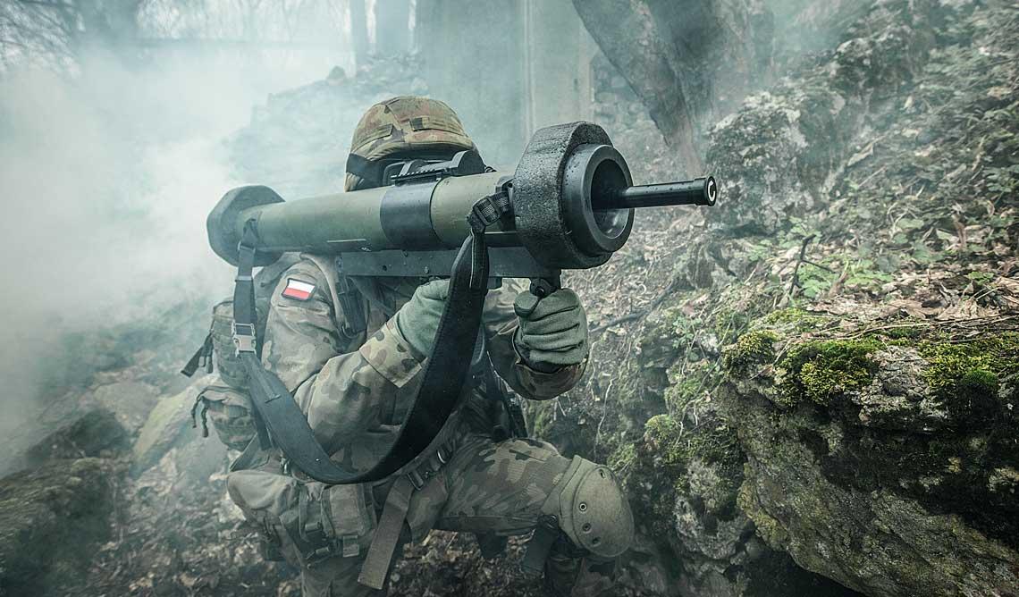 bezodrzutowy granatnik RGW 90 HH z sondą ustawioną w trybie HEAT