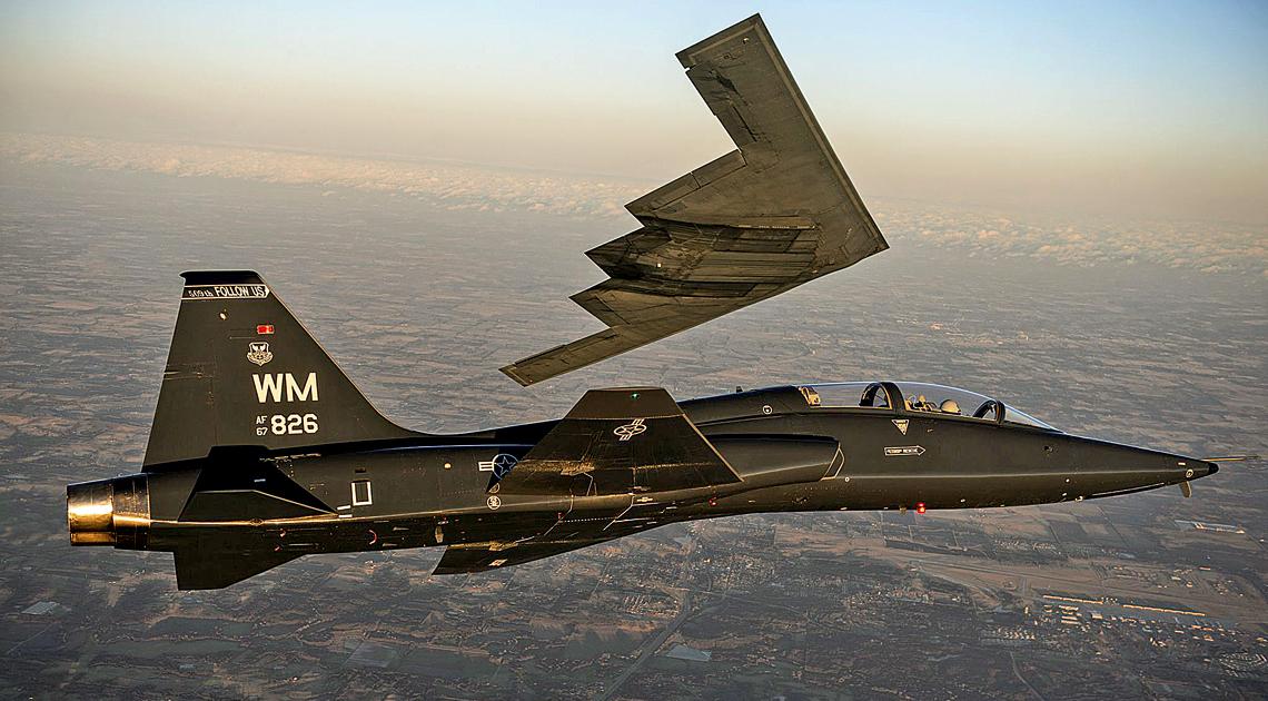 Talon to samolot z poprzedniej epoki