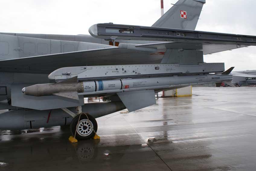 szkolne AIM-9X