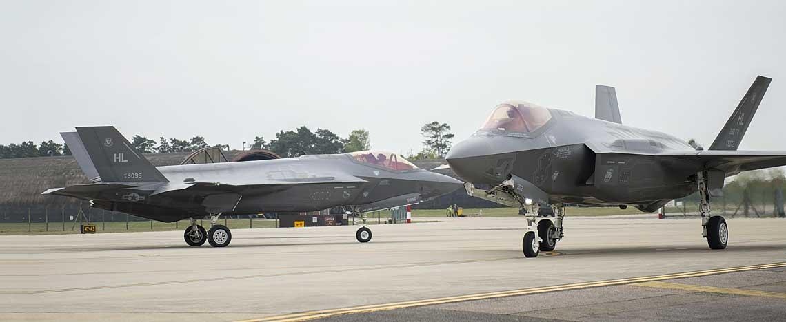 Wielkanoc przyniosła nagłe i nieoczekiwane przebazowanie ośmiu F-35A, należących do USAF, do Wielkiej Brytanii.