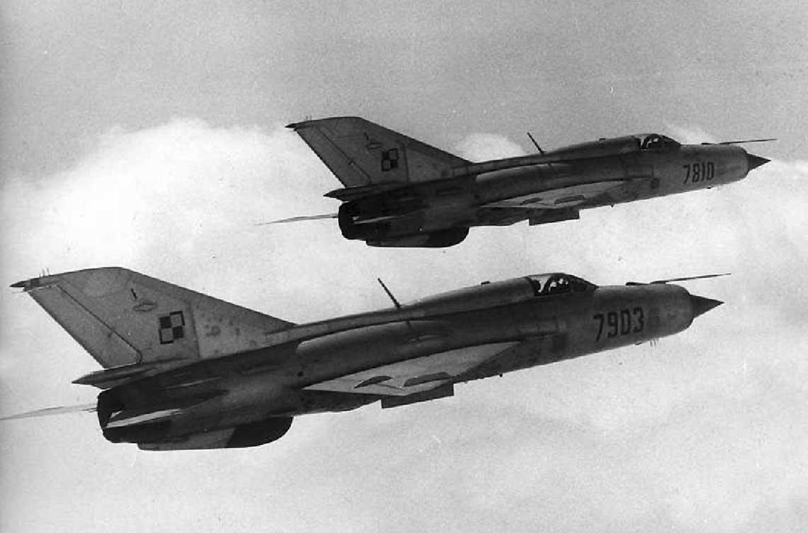 Polskie lotnictwo wojskowe w latach 1962-1969. Na zdjęciu MiG-21PFM. Fot. WAF