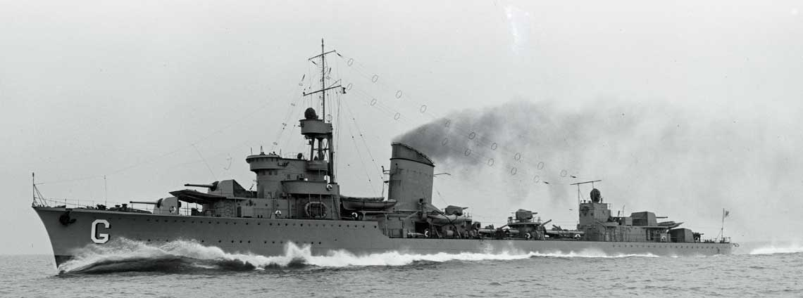 Wspaniałe zdjęcie pięknego okrętu na pełnej prędkości, czyli ORP Grom podczas prób 7 maja 1937 r.