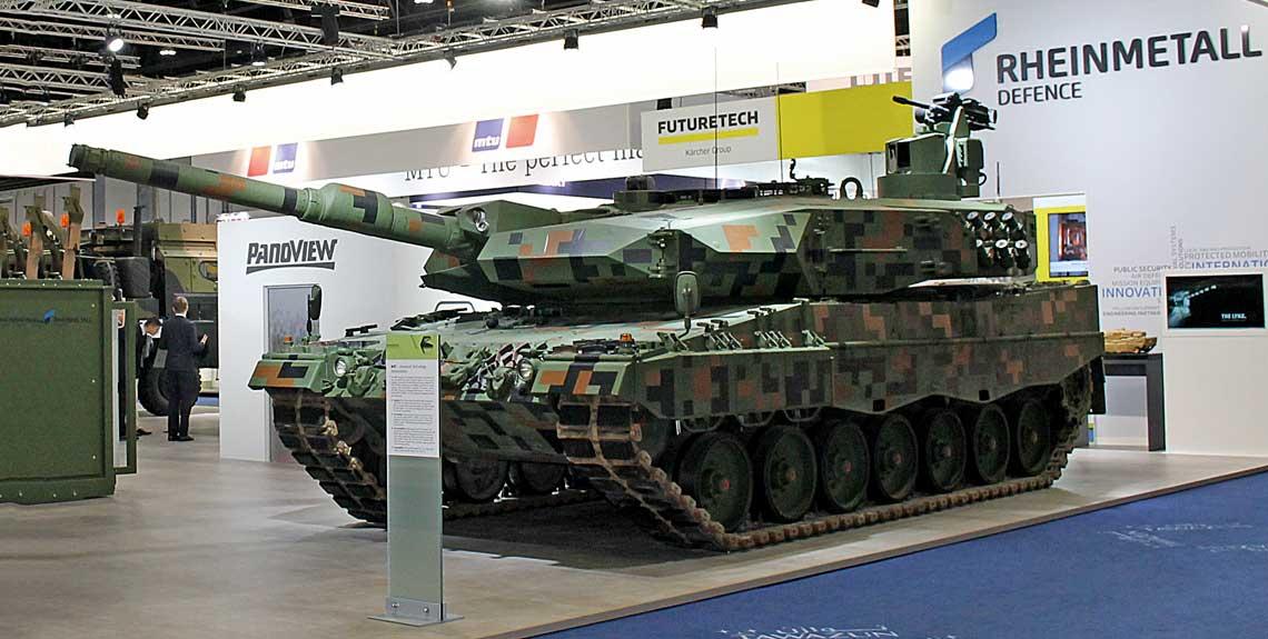 Podczas wystawy IDEX-2017 Rheinmetall Defence wystawił w swym stoisku demonstrator modernizacji czołgu Leopard 2A4, który określany był jako Leopard 2PL (był to ten sam wóz, który zaprezentowano na MSPO 2016), ale z bogatszym wyposażeniem niż w polskiej konfiguracji.