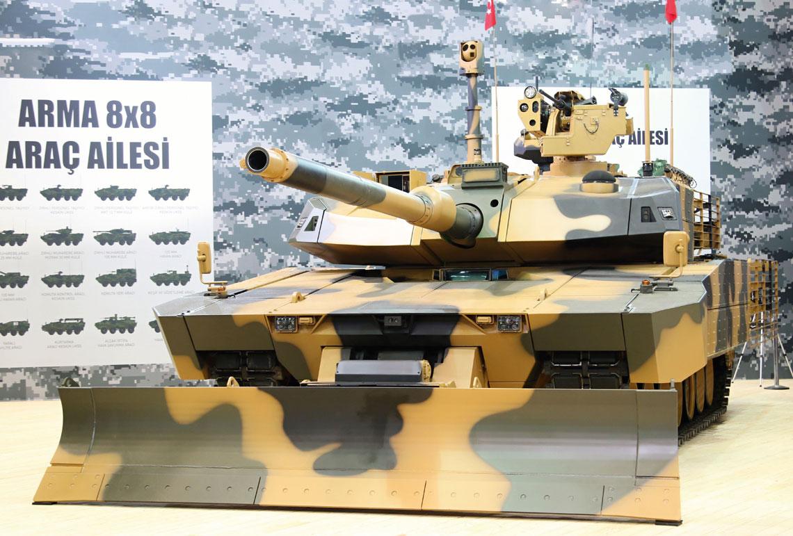 Dominującym eksponatem stoiska Otokara był czołg podstwowy Altay AHT z bogatym pakietem wyposażenia dodatkowego, optymalizującym go do działań w środowisku zurbanizowanym.