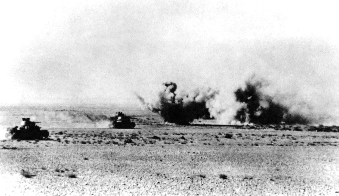 Włoskie czołgi M13/40 w czasie ataku pod Beda Fomm.