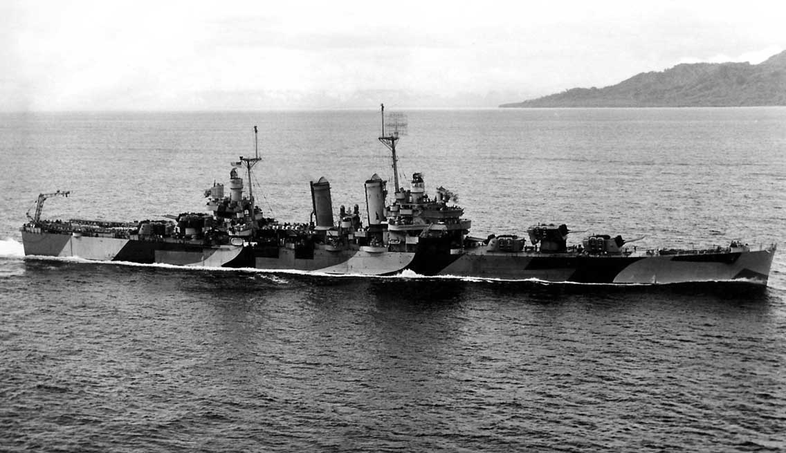 Krążownik USS Honolulu na zdjęciu z 1944 r.