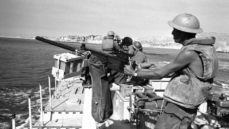Najbardziej znaczącą operacją Sił Morskich Izraela było zdobycie Szarm el-Szejk na południowym krańcu Półwyspu Synaj. Na zdjęciu: izraelski kuter patrolowy na wodach Cieśniny Tirańskiej.